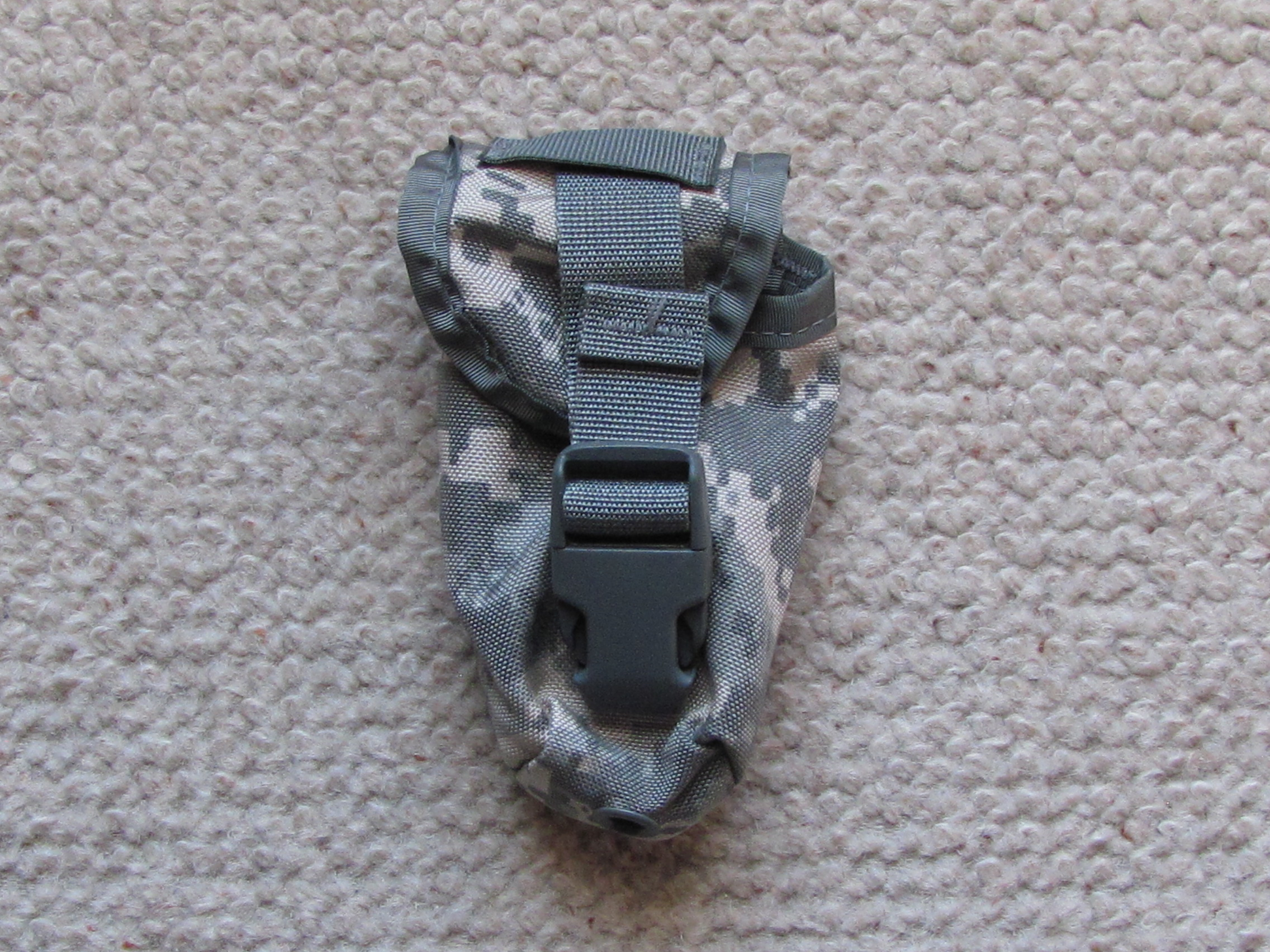 MOLLE flashbang pouch